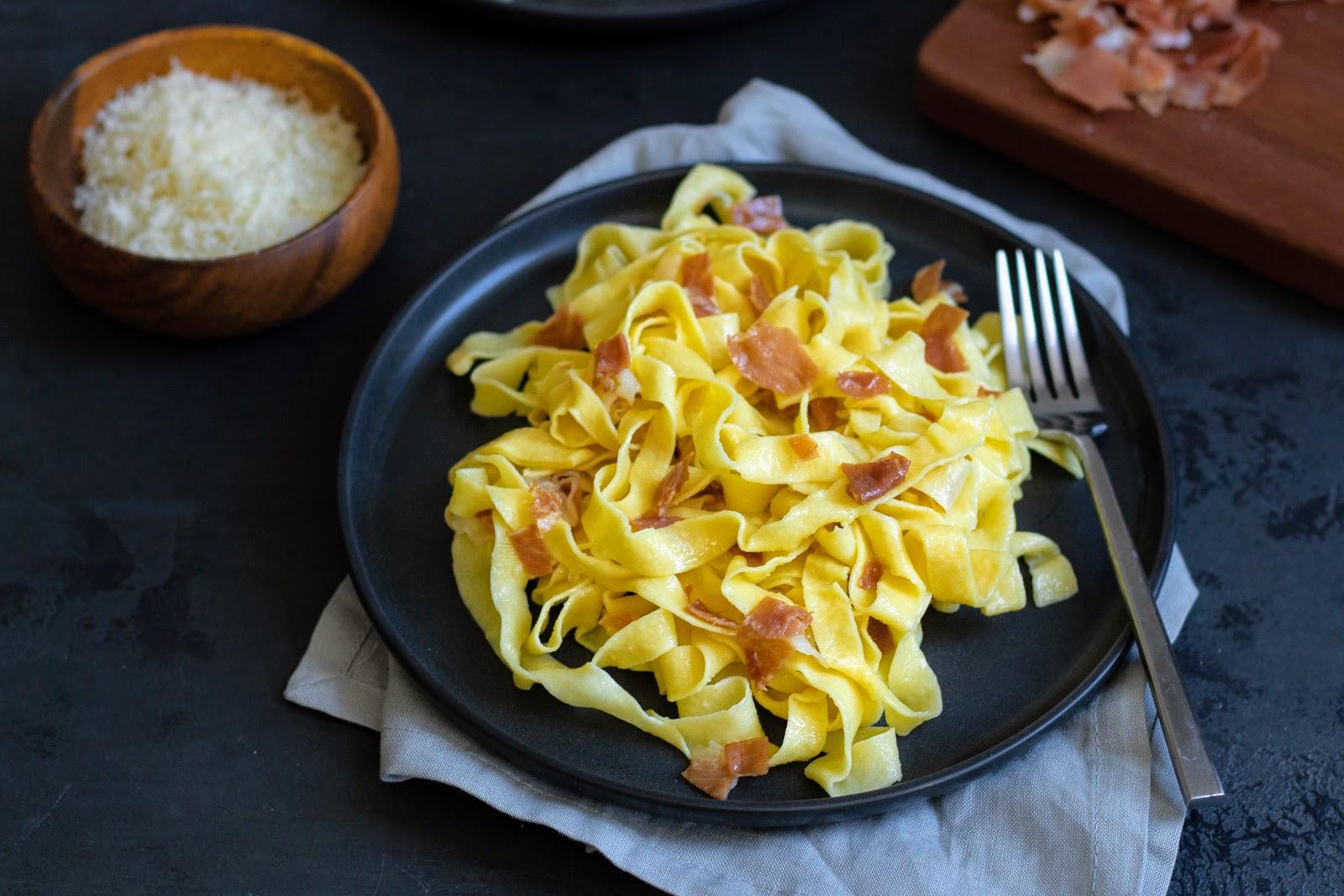 tagliatelle with prosciutto and butter
