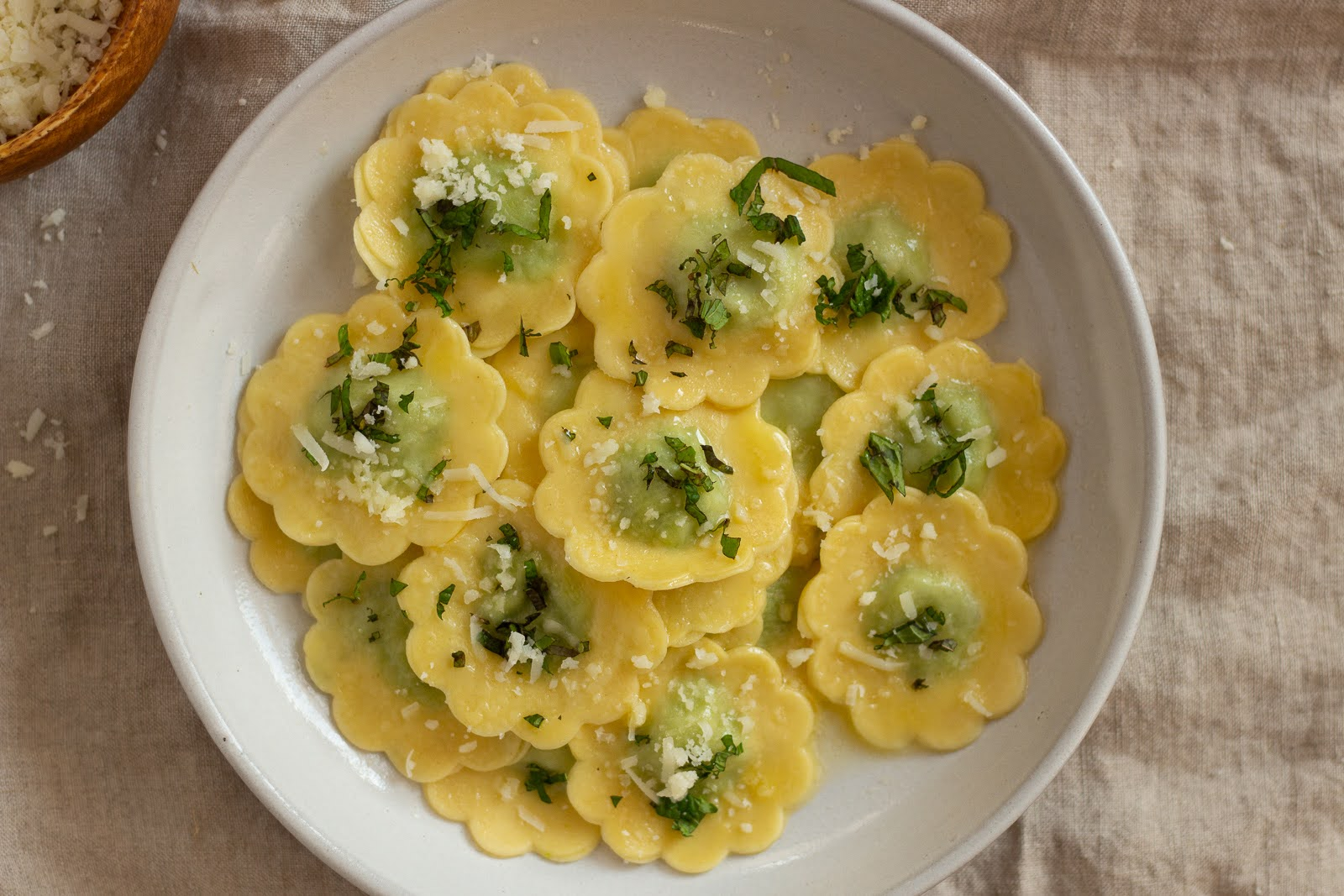 pea ravioli ai fiori flower ravioli - qb cucina