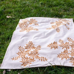 Rust-dyed Italian picnic blanket - qbcucina.com