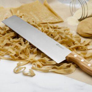 Tagliatelle Knife with tagliatelle pasta